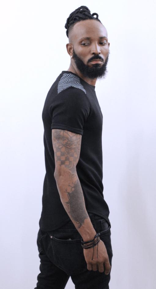 illustration T-shirt manches courts noir vue de droite