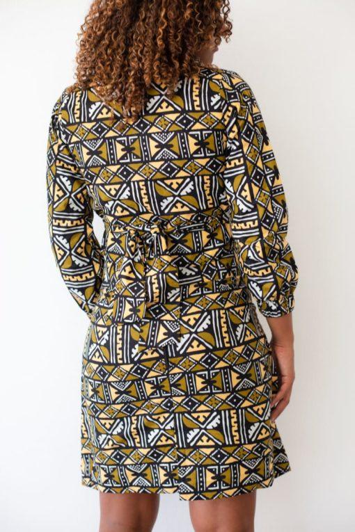 Image jupe croisée en wax de dos